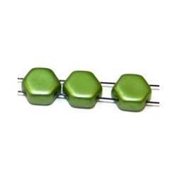 2-gat 6,5mm zeskant kralen mat groen 15st.