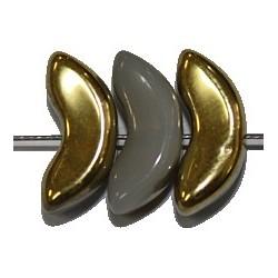 Boogkraal 6,25x14mm metallic goud/melkwit 10st.