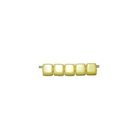 TILA kralen 6x6mm snowwhite/geel gelusterd 25st.