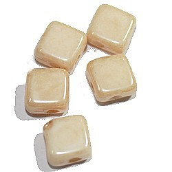 Silky beads 6mm opaque beige 25st.